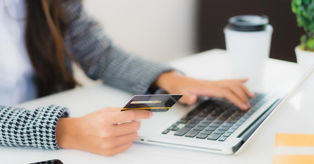 kreditna karta, platba za ucet